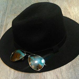 Black felt hat NWT
